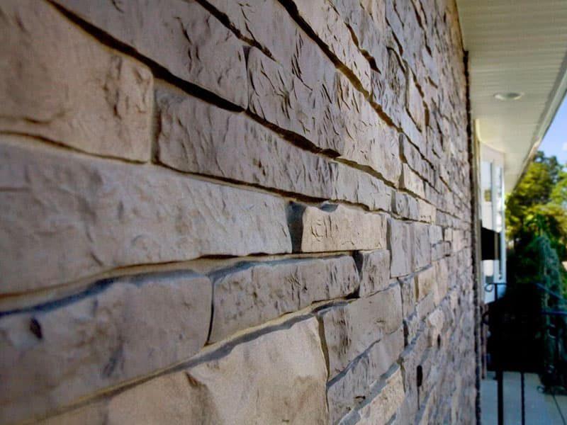 Цокольный сайдинг под камень для отделки фасада